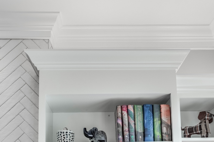 Interior remodeling, Foster Remodeling Solutions, built in bookshelves with crown moulding