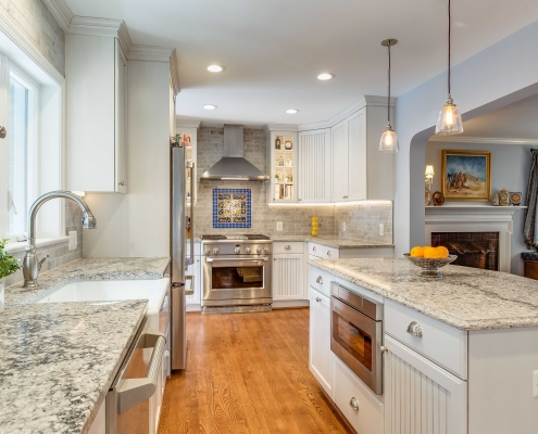 remodeling Kitchen, Alexandria, VA with Crystal Current Shoreline cabinets and Ceasarstone countertop