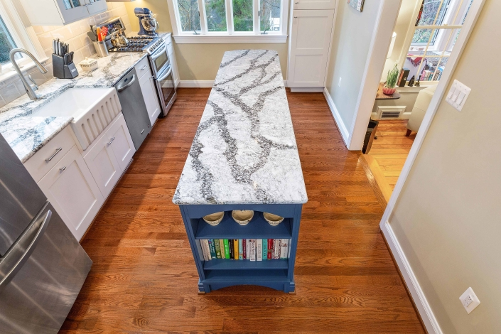 Cambria Seagrove countertop, Arlington, VA, kitchen remodeling, with Crystal cabinets