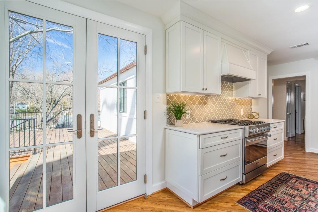 custom remodeling Arlington, VA with Waypoint cabinets, ceramic tile backsplash