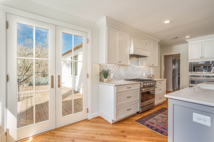 design build custom remodeling Arlington, VA with custom Waypoint cabinets and hardwood flooring