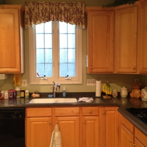 Springfield, VA, kitchen remodeling, old oak cabinets and countertops, before photo2