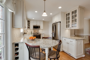 Springfield, VA Kitchen remodel, with Crystal Current cabinets and Giallo Napoli granite countertops_after photo22