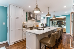 Kitchen remodel, Springfield, VA with custom installed pendant lighting and Pfister sink faucet