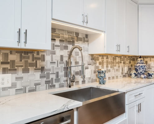 Kitchen Remodeling, Vienna, VA with Jim Bishop cabinets, Skyfall Basketweave Maze mosaic tile backsplash