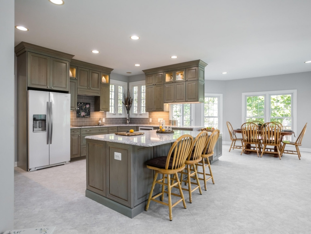Springfield Kitchen Remodel with Crystal Encore cabinets and Silestone coutertops
