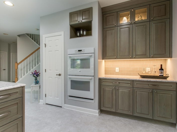 Springfield Kitchen Remodel with custom Crystal cabinets with Catalina door style and Cape cod stain with Silestone countertops