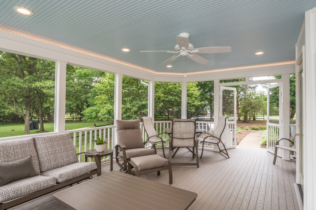 Screen porch living at its finest in Centreville