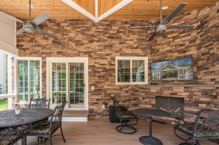 outdoor patio in Springfield with stacked brick
