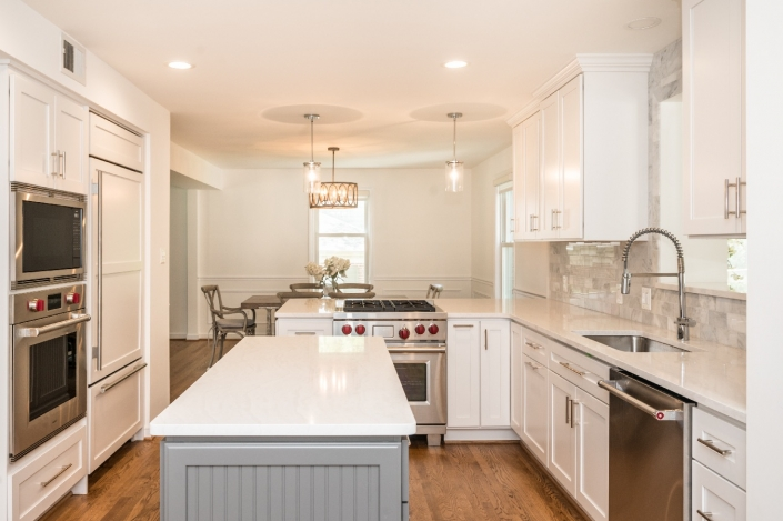 Modern kitchen remodel, Alexandria, VA with Crystal Current cabinets with a Meadowland door and drawer style in Simply White
