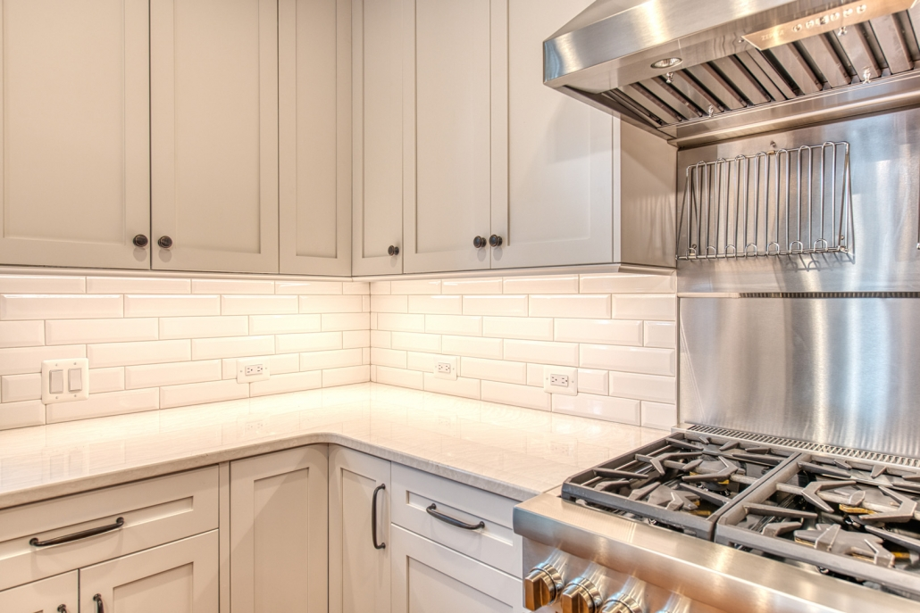 Kitchen remodeling Vienna, VA, white Crystal Current cabinets and Quartz countertops