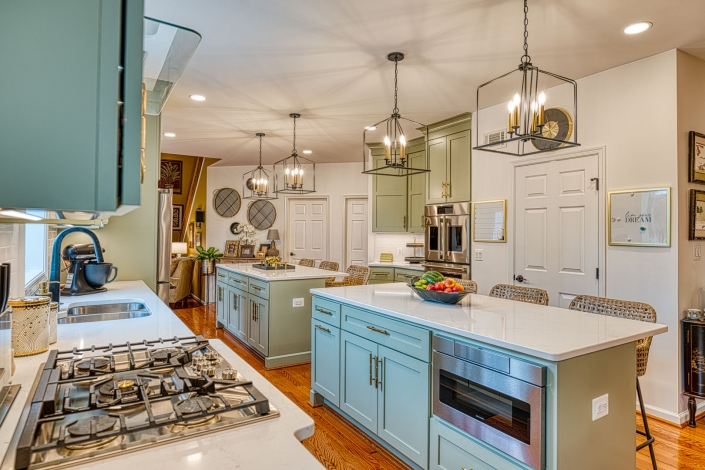 Kitchen remodeling Gainesville with double ovens and drawer style microwave